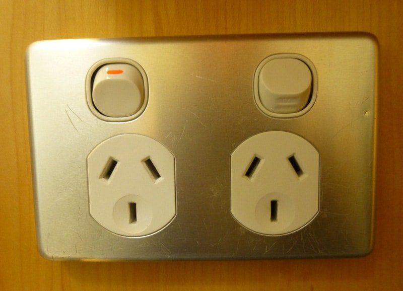 Solving-the-International-Power-and-Plug-Dilemma